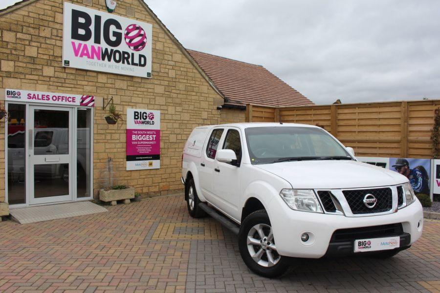 NISSAN NAVARA DCI ACENTA 4X4 DOUBLE CAB WITH TRUCKMAN TOP - 6447 - 1
