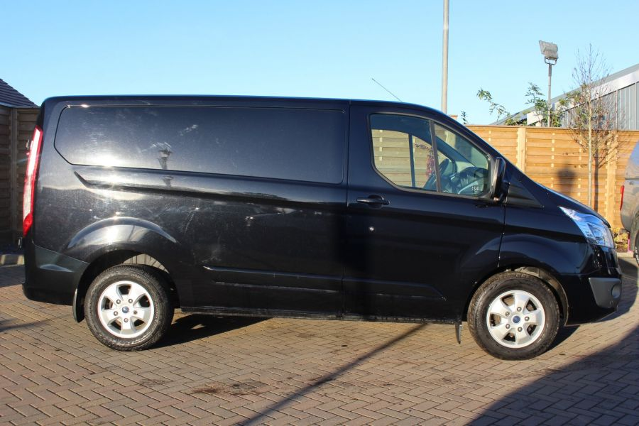 FORD TRANSIT CUSTOM 290 TDCI 125 L1 H1 LIMITED SWB LOW ROOF FWD - 6984 - 4