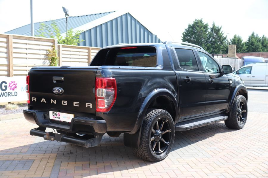 FORD RANGER WILDTRAK TDCI 200 4X4 DOUBLE CAB WITH ROLL'N'LOCK TOP - 9851 - 5