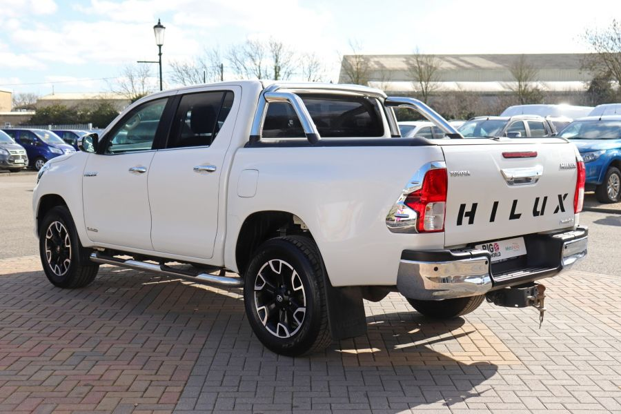 TOYOTA HI-LUX D-4D 150 INVINCIBLE X 4WD DOUBLE CAB WITH ROLL'N'LOCK TOP - 12270 - 10