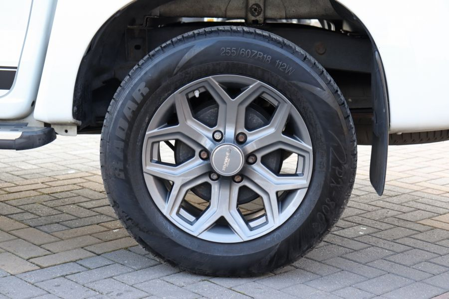 ISUZU D-MAX TD 164 TWIN TURBO BLADE DOUBLE CAB WITH ROLL'N'LOCK TOP  (14049) - 12327 - 52