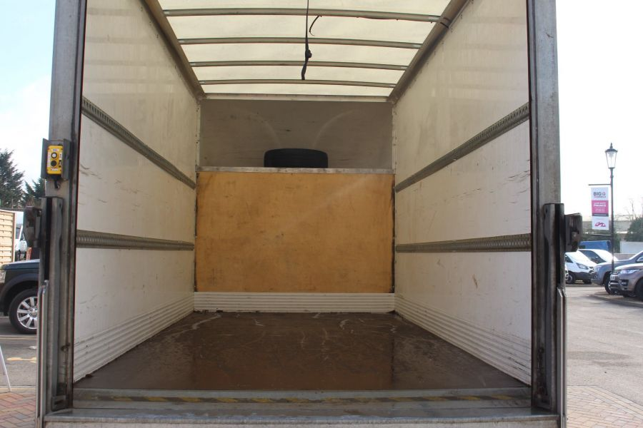 VOLKSWAGEN CRAFTER CR35 TDI 109LUTON WITH TAIL LIFT - 7362 - 20