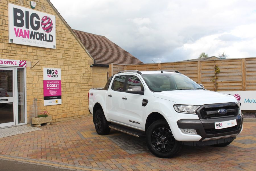 FORD RANGER WILDTRAK TDCI 200 4X4 DOUBLE CAB WITH ROLL'N'LOCK TOP - 9156 - 1
