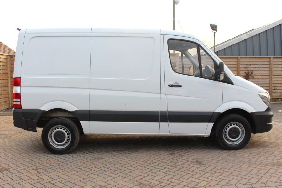 MERCEDES SPRINTER 313 CDI SWB STANDARD LOW ROOF - 8789 - 4