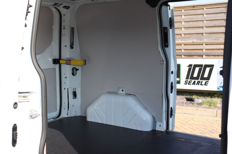 FORD TRANSIT CUSTOM 340 TDCI 130 L1H1 LIMITED SWB LOW ROOF FWD - 10566 - 38