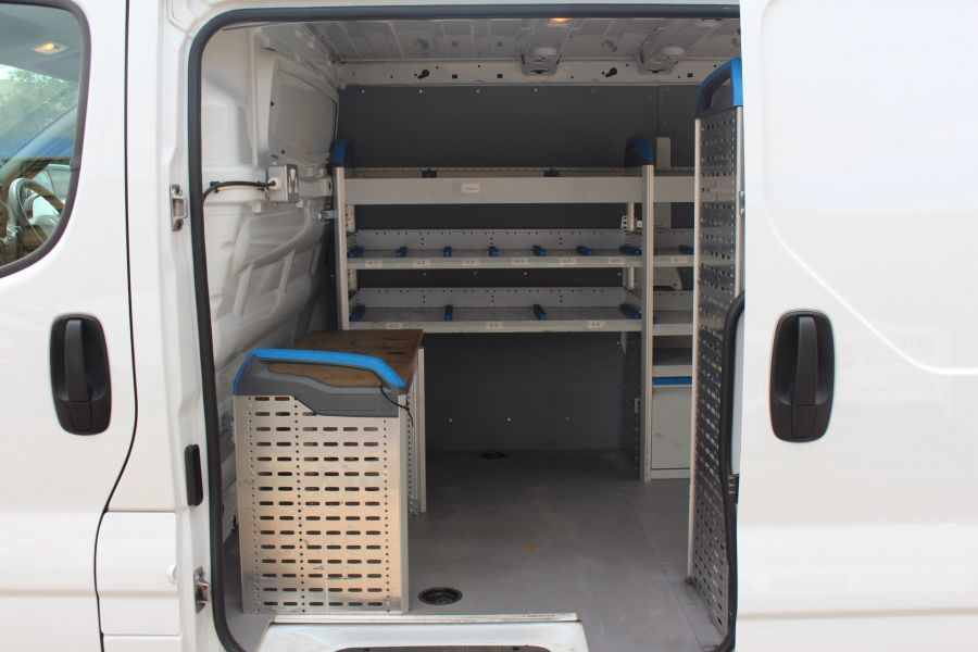 RENAULT TRAFIC SL27 DCI 115 SWB LOW ROOF - 6284 - 21