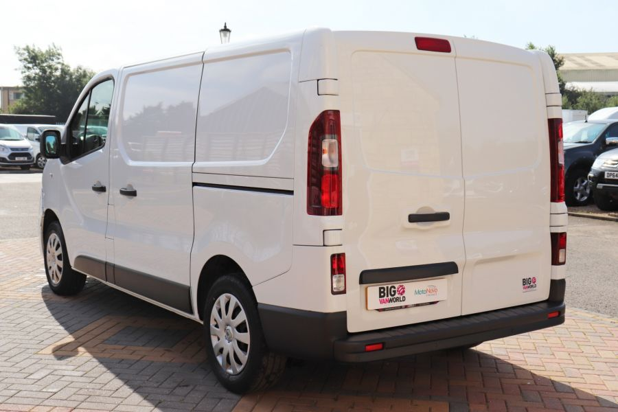 RENAULT TRAFIC SL29 DCI 120 BUSINESS PLUS SWB LOW ROOF - 9235 - 7
