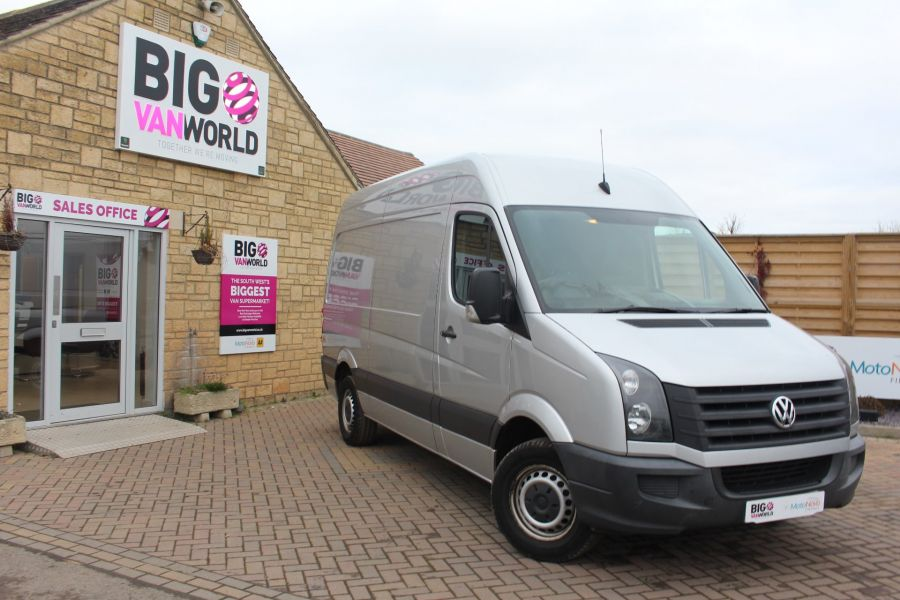 VOLKSWAGEN CRAFTER CR35 TDI MWB HIGH ROOF - 7130 - 1