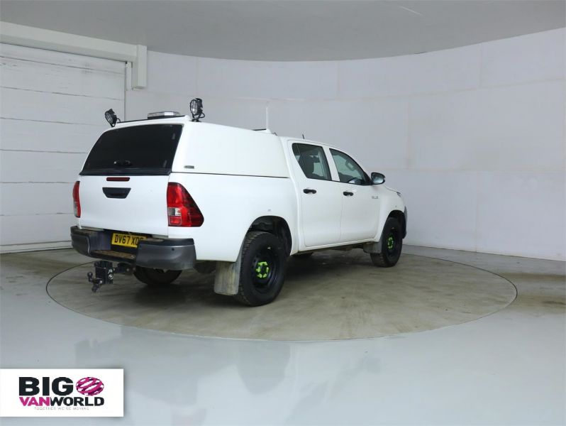 TOYOTA HI-LUX ACTIVE 4WD D-4D 148 DOUBLE CAB WITH TRUCKMAN TOP - 8350 - 2