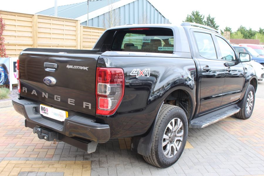 FORD RANGER WILDTRAK TDCI 197 4X4 DOUBLE CAB WITH ROLL'N'LOCK TOP - 7635 - 5