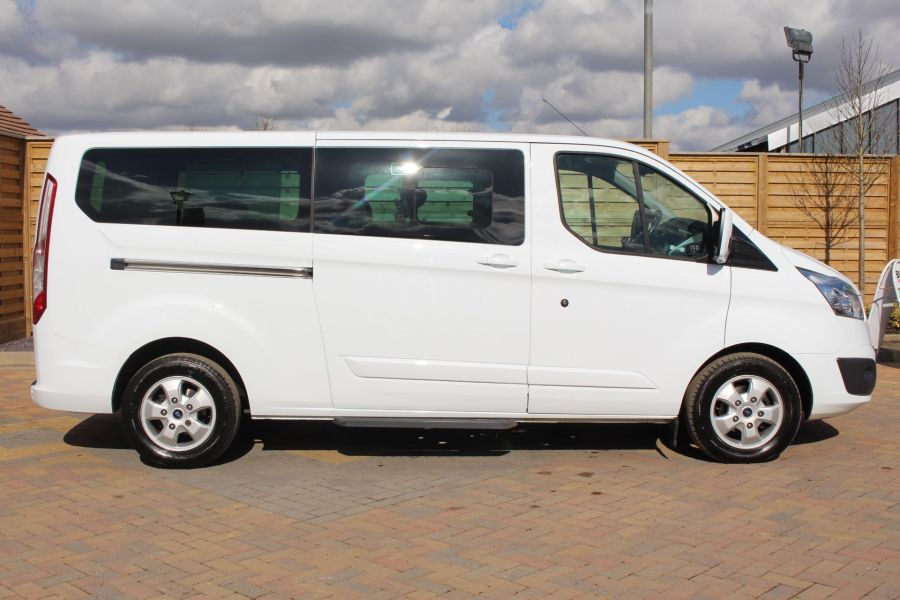 FORD TOURNEO CUSTOM 300 TDCI 125 L2 H1 LIMITED 9 SEAT MINIBUS SWB LOW ROOF FWD - 7215 - 4