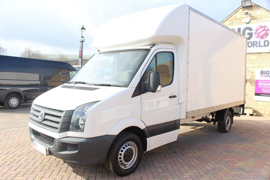 VOLKSWAGEN CRAFTER CR35 TDI 109LUTON WITH TAIL LIFT - 7362 - 7