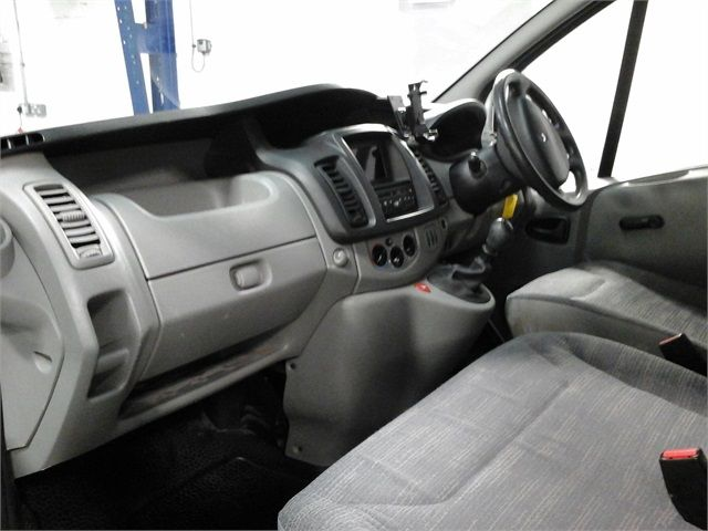 RENAULT TRAFIC LH29 DCI 115 LWB HIGH ROOF - 7432 - 13