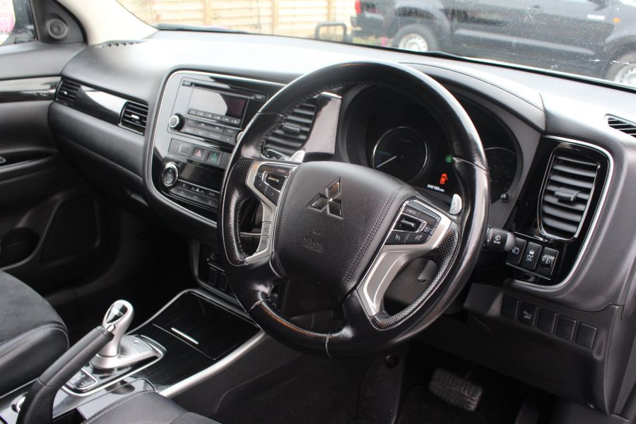 MITSUBISHI OUTLANDER PHEV GX3H 4WORK COMMERCIAL - 9102 - 13