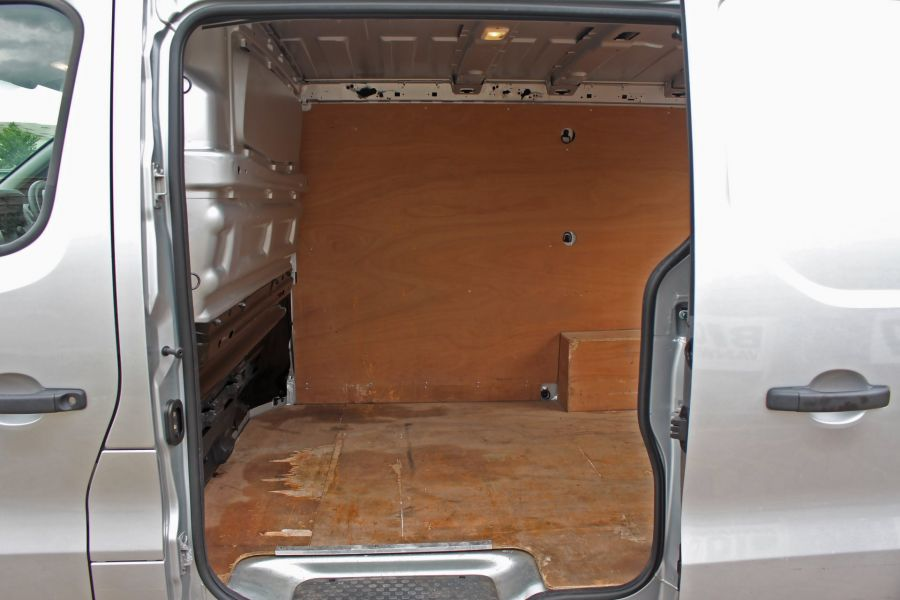 RENAULT TRAFIC SL27 DCI 120 BUSINESS PLUS ENERGY SWB LOW ROOF - 9258 - 20