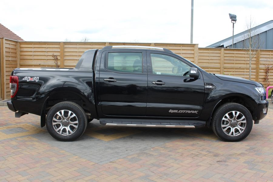FORD RANGER WILDTRAK TDCI 197 4X4 DOUBLE CAB WITH ROLL'N'LOCK TOP - 7635 - 4