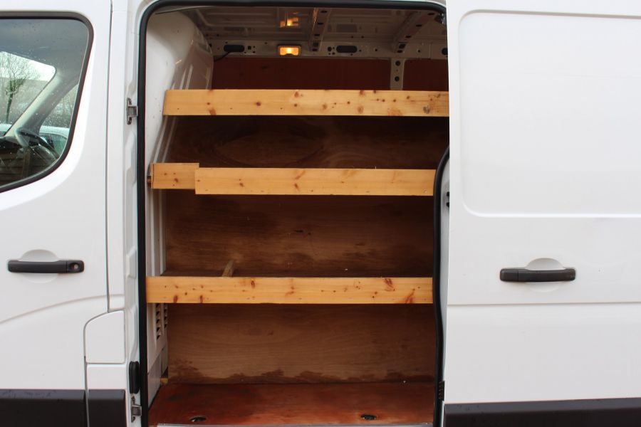 RENAULT MASTER SL33 DCI 100 SWB LOW ROOF FWD - 7248 - 18