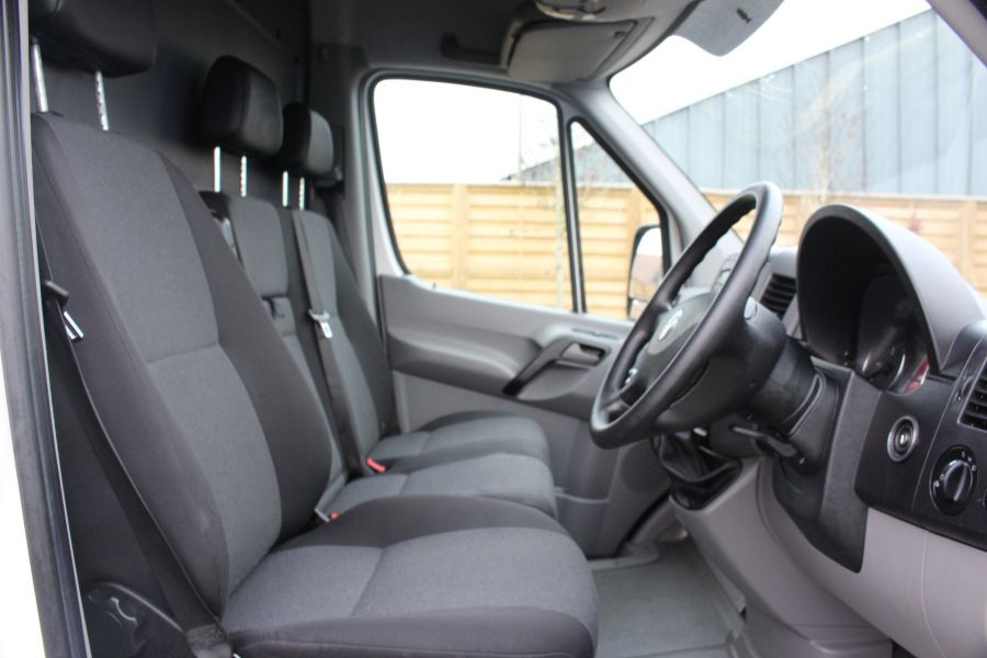 VOLKSWAGEN CRAFTER CR35 TDI 136 LWB HIGH ROOF - 6890 - 15