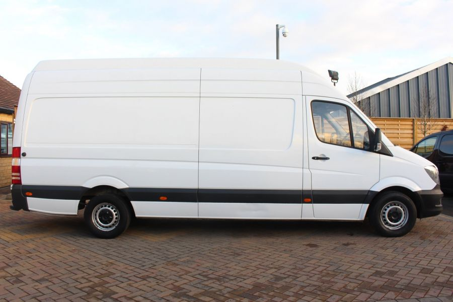 MERCEDES SPRINTER 313 CDI LWB EXTRA HIGH ROOF - 6945 - 4