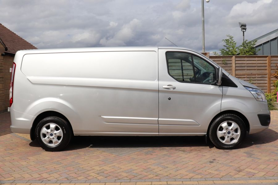 FORD TRANSIT CUSTOM 290 TDCI 130 L2H1 LIMITED LWB LOW ROOF FWD - 12272 - 7