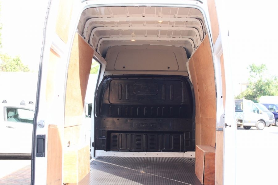 FORD TRANSIT 350 TDCI 125 LIMITED LWB HIGH ROOF FWD - 4893 - 18