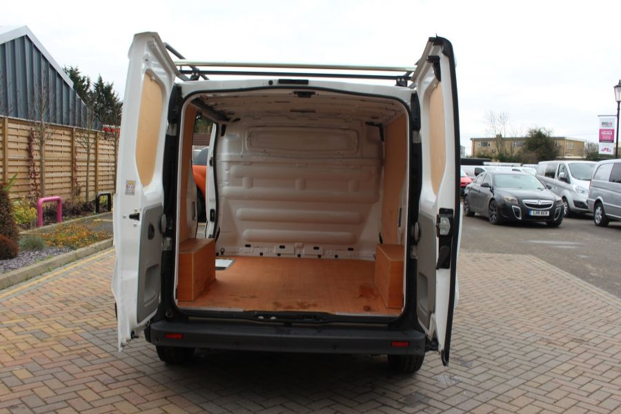 RENAULT TRAFIC SL27 DCI 115 ECO2 SWB LOW ROOF - 6914 - 19