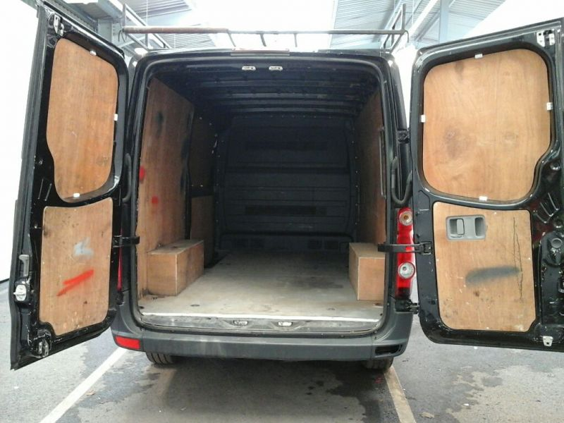 VOLKSWAGEN CRAFTER CR35 TDI 136 MWB STANDARD LOW ROOF - 9093 - 4