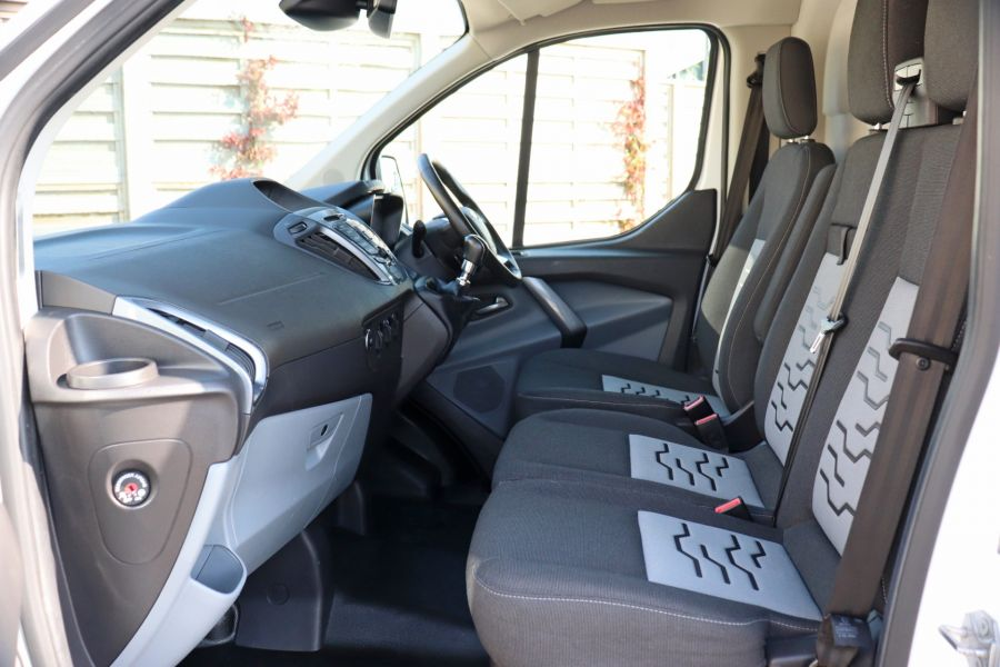 FORD TRANSIT CUSTOM 340 TDCI 130 L1H1 LIMITED SWB LOW ROOF FWD - 10566 - 33