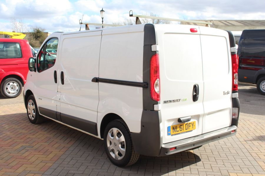 RENAULT TRAFIC SL27 DCI 115 SWB LOW ROOF - 7262 - 7