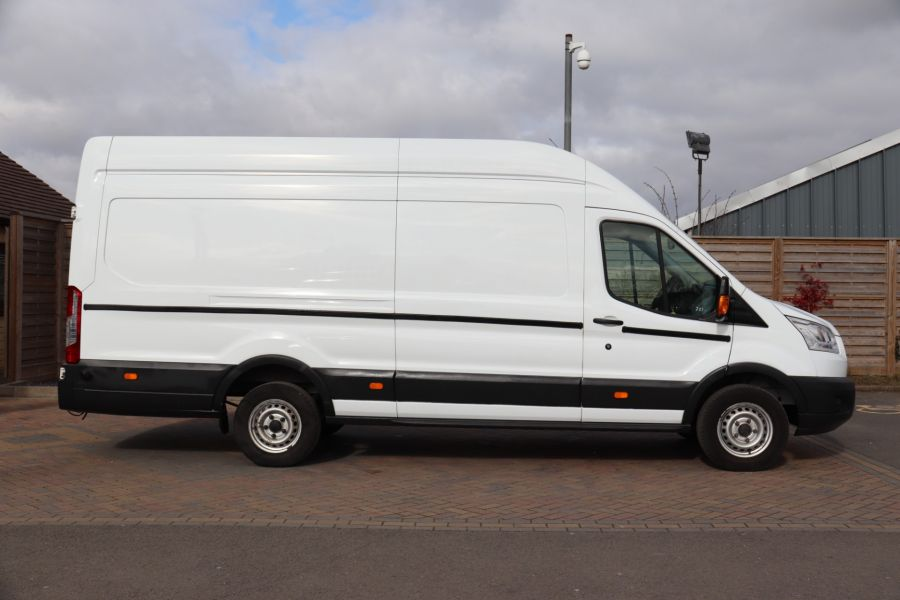 FORD TRANSIT 350 TDCI 125 L4H3 JUMBO HIGH ROOF RWD - 10472 - 5