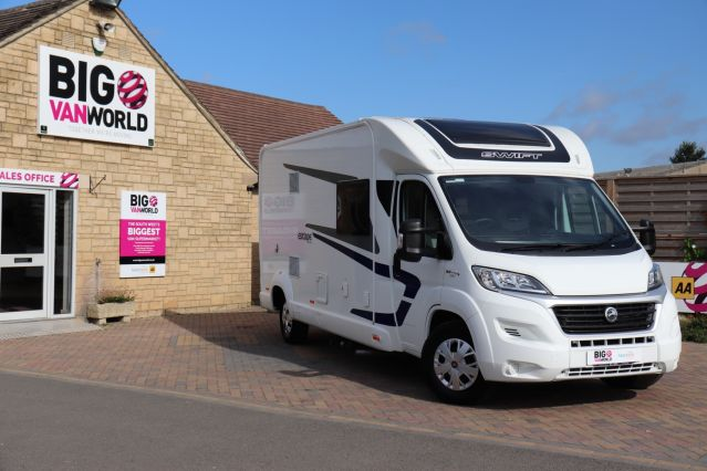 Used SWIFT ESCAPE 695 in Used Vans Swindon for sale