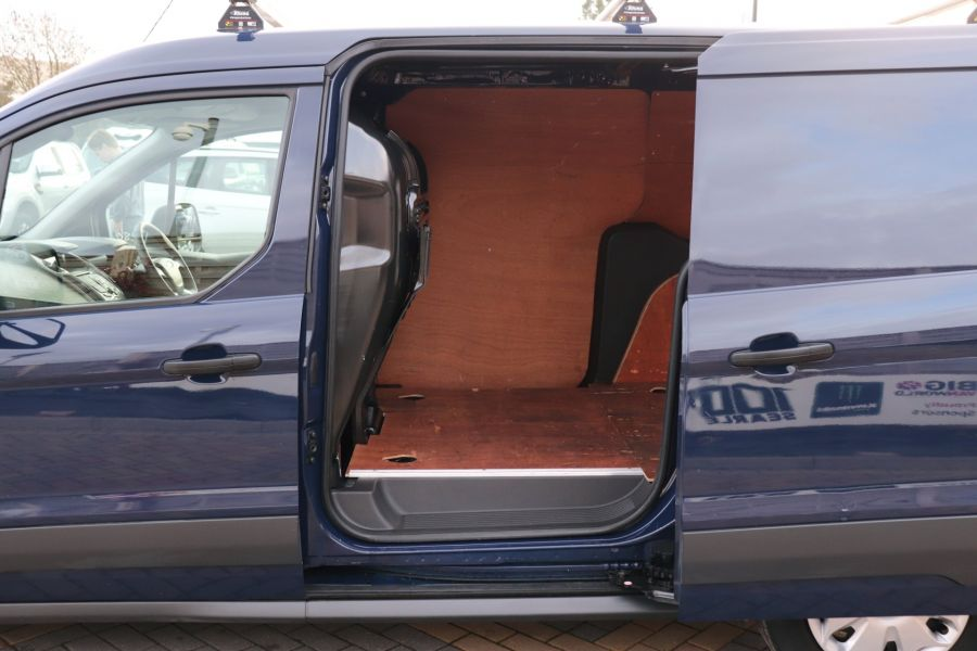 FORD TRANSIT CONNECT 210 TDCI 100 L2H1 TREND LWB LOW ROOF - 11620 - 39
