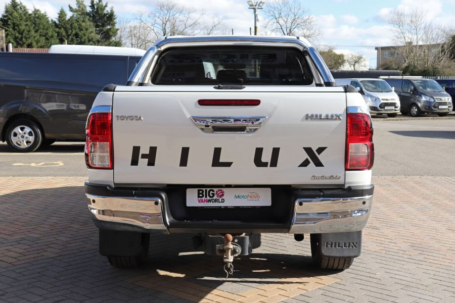 TOYOTA HI-LUX D-4D 150 INVINCIBLE X 4WD DOUBLE CAB WITH ROLL'N'LOCK TOP - 12270 - 9