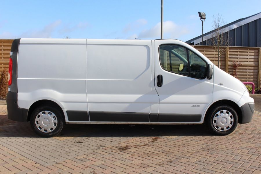 RENAULT TRAFIC LL29 DCI 115 LWB LOW ROOF - 7644 - 4