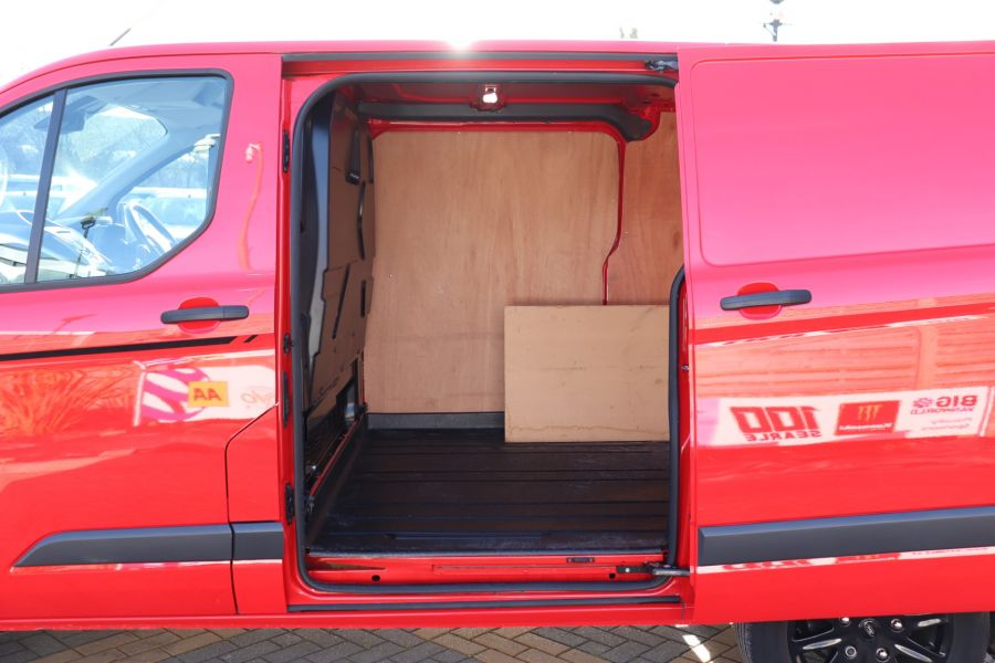 FORD TRANSIT CUSTOM 290 TDCI 170 L1H1 TREND COLOUR EDITION SWB LOW ROOF - 11530 - 35