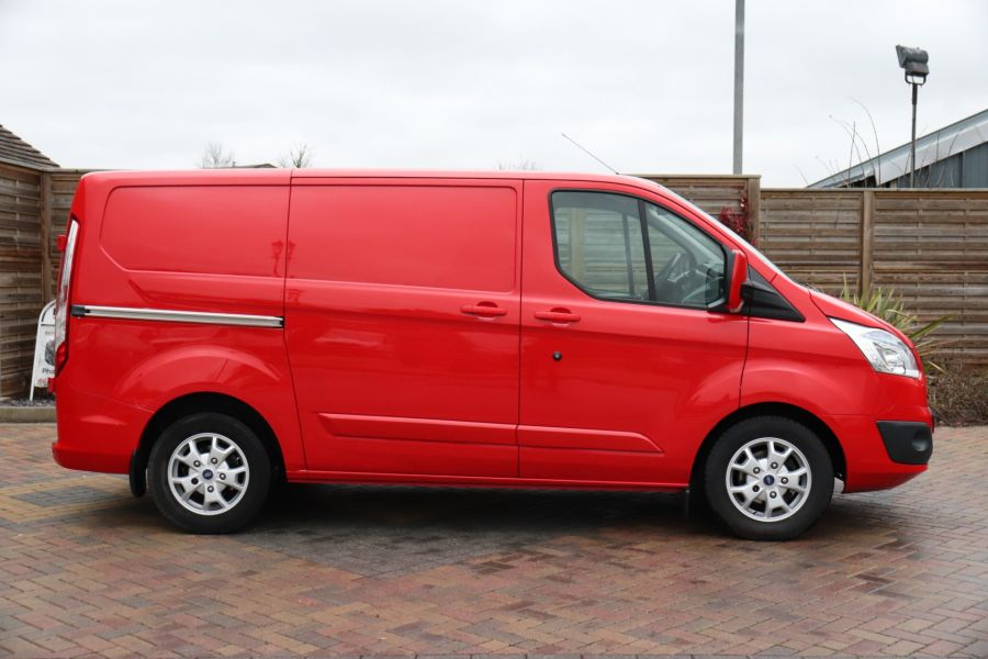 FORD TRANSIT CUSTOM 290 TDCI 125 L1H1 LIMITED SWB LOW ROOF FWD - 12045 - 7