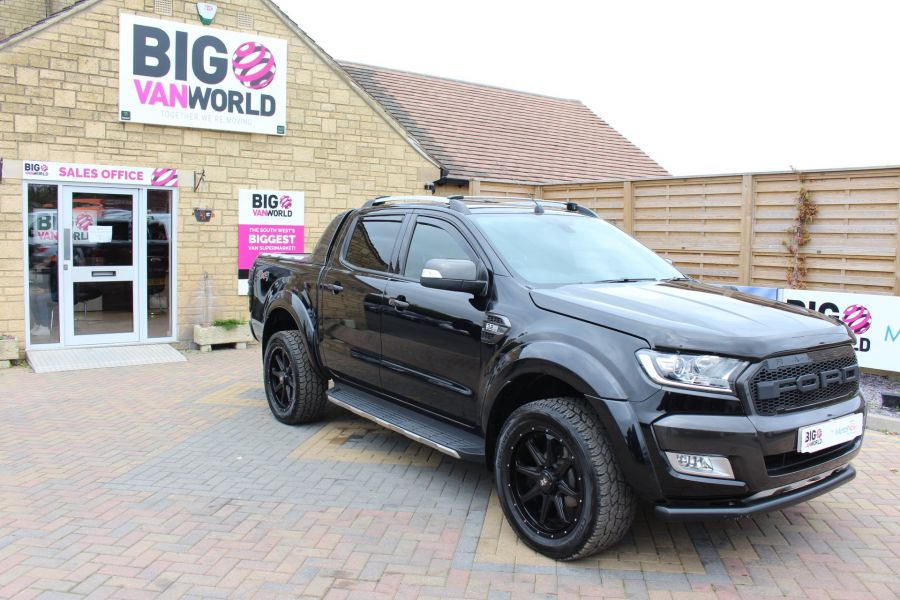 FORD RANGER WILDTRAK TDCI 200 4X4 DOUBLE CAB WITH ROLL'N'LOCK TOP - 8607 - 3