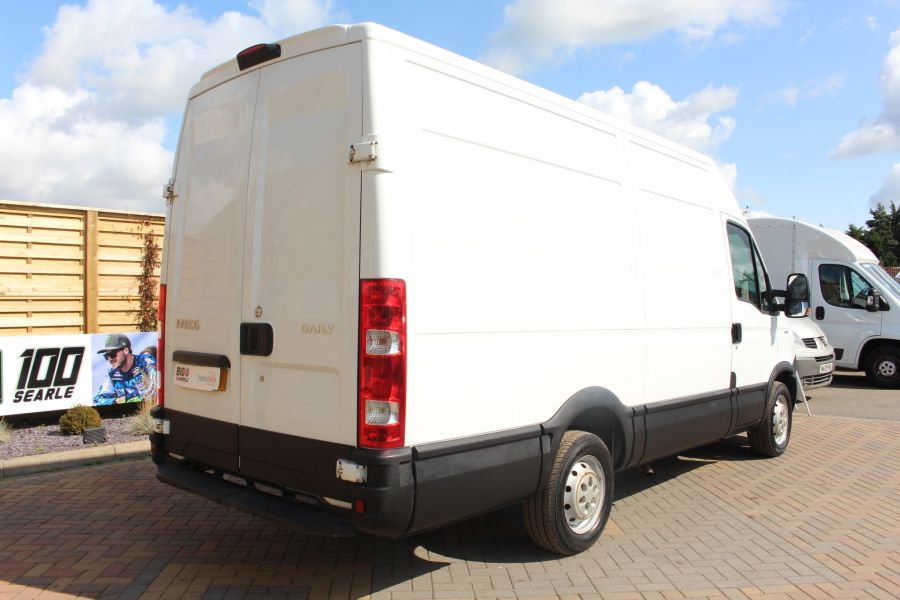 IVECO DAILY 35S11V MWB HIGH ROOF 3520WB - 6151 - 5