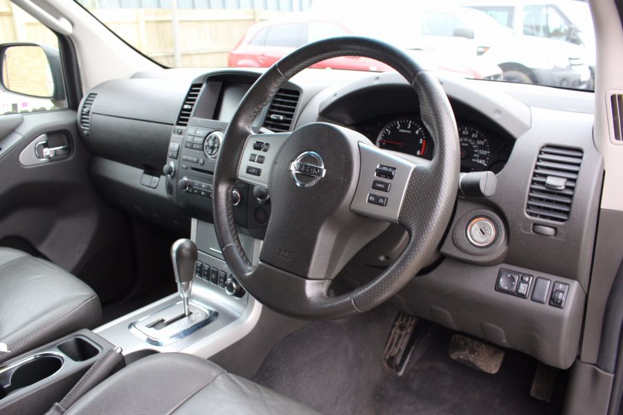 NISSAN NAVARA DCI TEKNA CONNECT 4X4 DOUBLE CAB - 5202 - 11