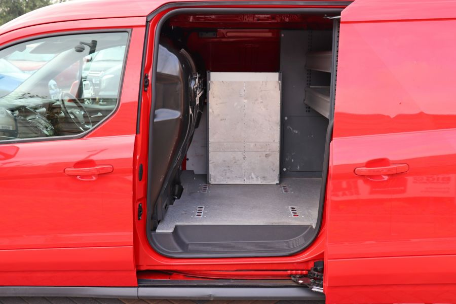 FORD TRANSIT CONNECT 240 TDCI 115 L2 H1 LIMITED LWB LOW ROOF - 9434 - 33