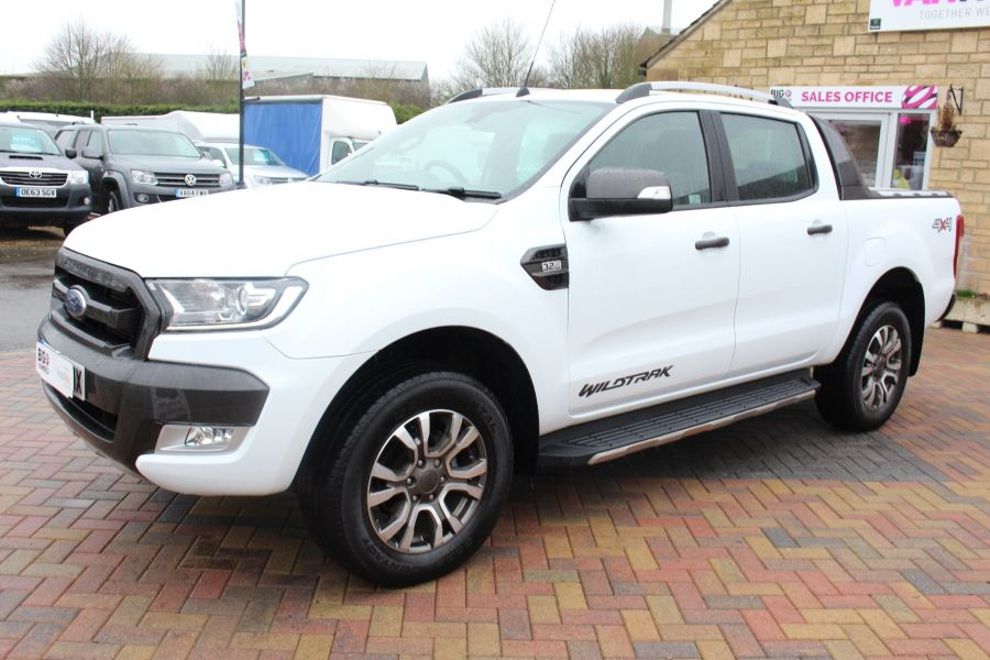 FORD RANGER WILDTRAK TDCI 200 4X4 DOUBLE CAB WITH ROLL'N'LOCK TOP - 7576 - 8
