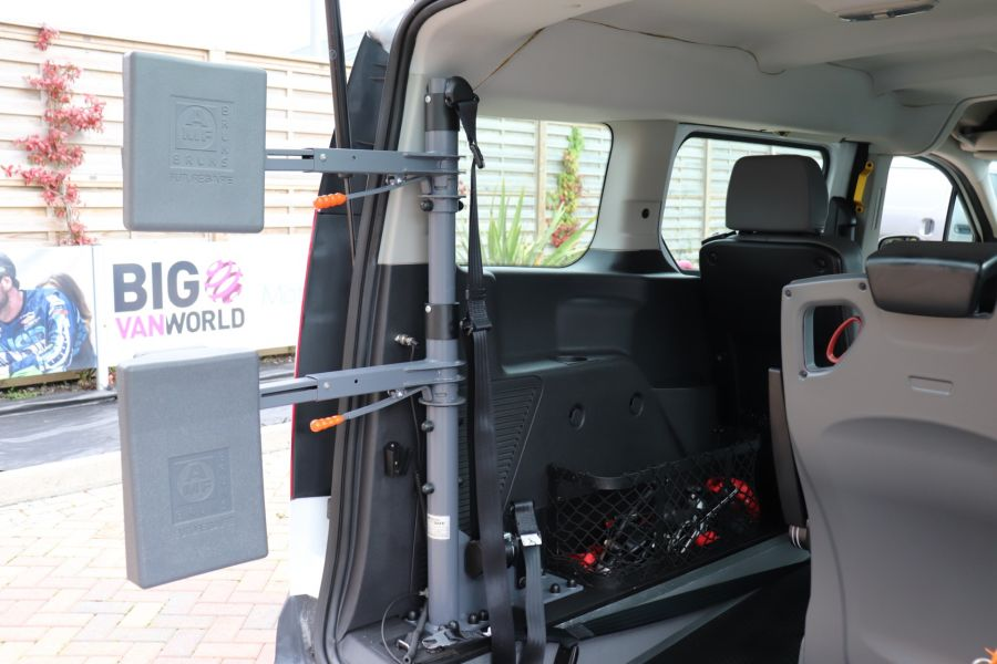 FORD GRAND TOURNEO CONNECT TDCI 95 COMBI VAN WITH WHEELCHAIR ACCESS - 11545 - 45