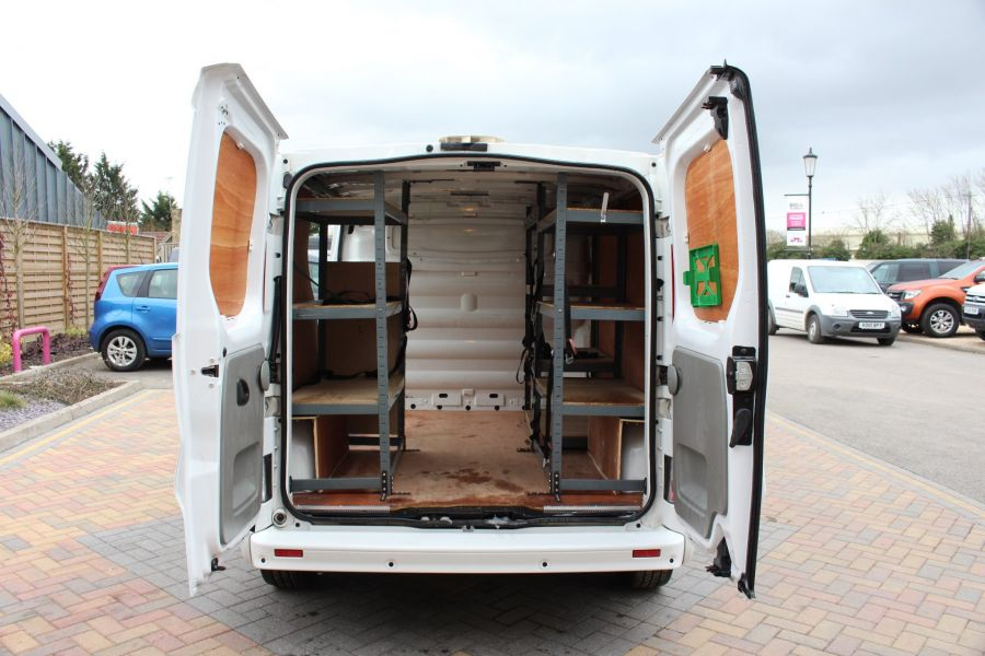 RENAULT TRAFIC SL27 DCI ECO2 115 SPORT QUICKSHIFT SWB LOW ROOF - 7484 - 25