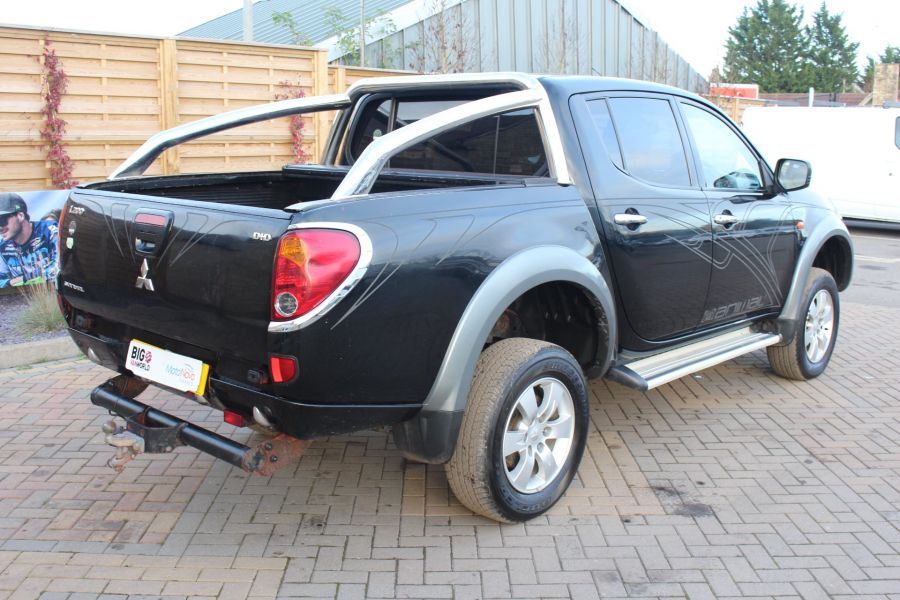 MITSUBISHI L200 ANIMAL DI-D LWB DOUBLE CAB WITH ROLL'N'LOCK TOP - 7085 - 5