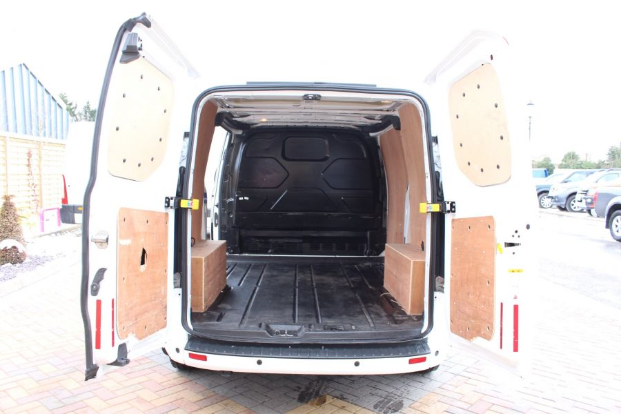 FORD TRANSIT CUSTOM 270 TDCI 125 L1 H1 LIMITED SWB LOW ROOF FWD - 7475 - 22
