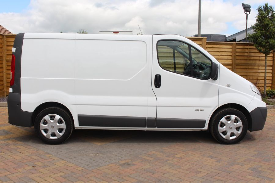 RENAULT TRAFIC SL27 DCI 115 SWB LOW ROOF - 6284 - 4