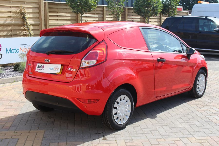 FORD FIESTA TDCI 95 ECONETIC TREND - 6293 - 5