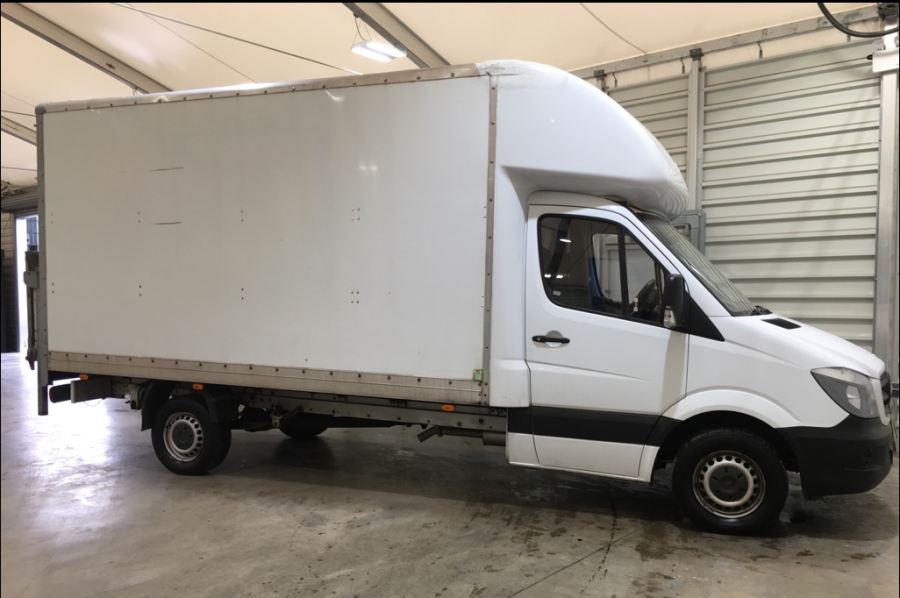 MERCEDES SPRINTER 313 CDI 129 LWB LUTON WITH TAIL LIFT - 10752 - 1