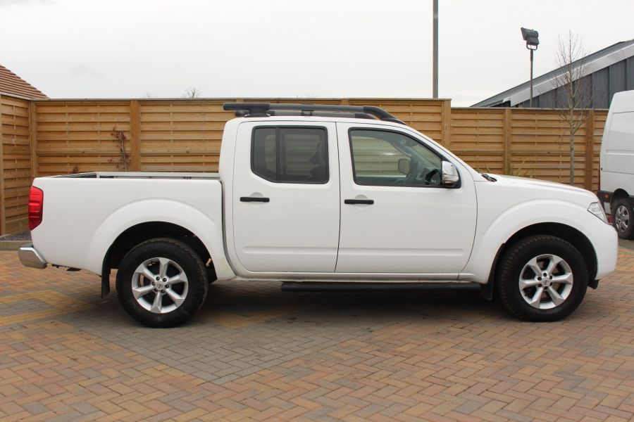 NISSAN NAVARA DCI 190 TEKNA CONNECT 4X4 DOUBLE CAB - 7425 - 4