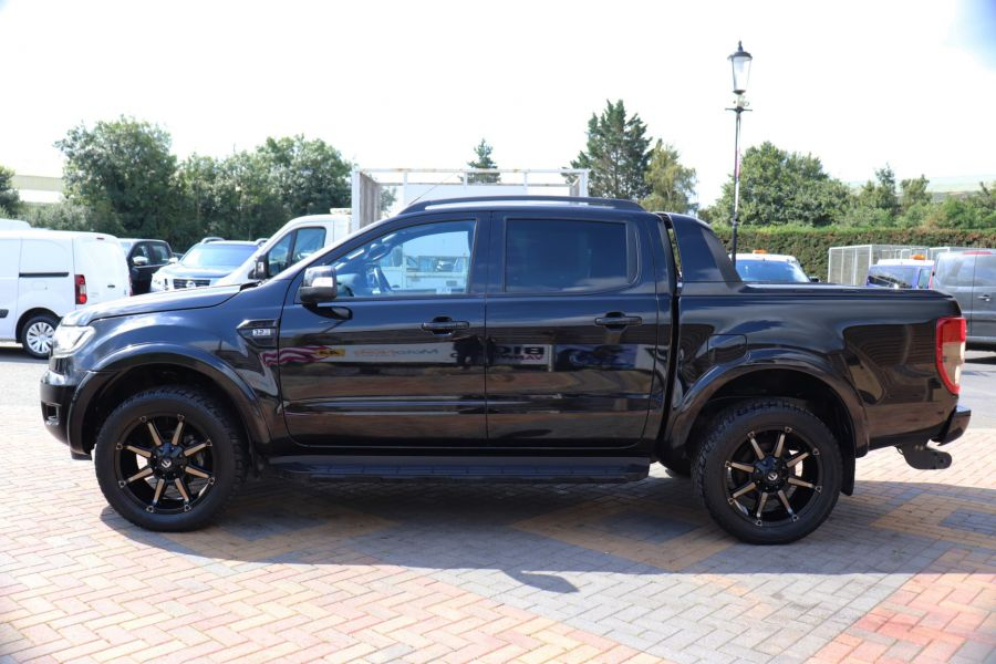 FORD RANGER WILDTRAK TDCI 200 4X4 DOUBLE CAB WITH ROLL'N'LOCK TOP - 9851 - 8
